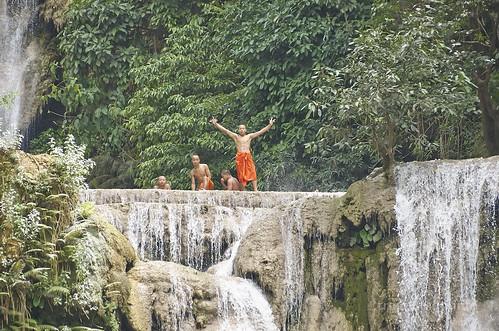 【写真】世界一周 : クアンシーの滝・滝壺(午後)