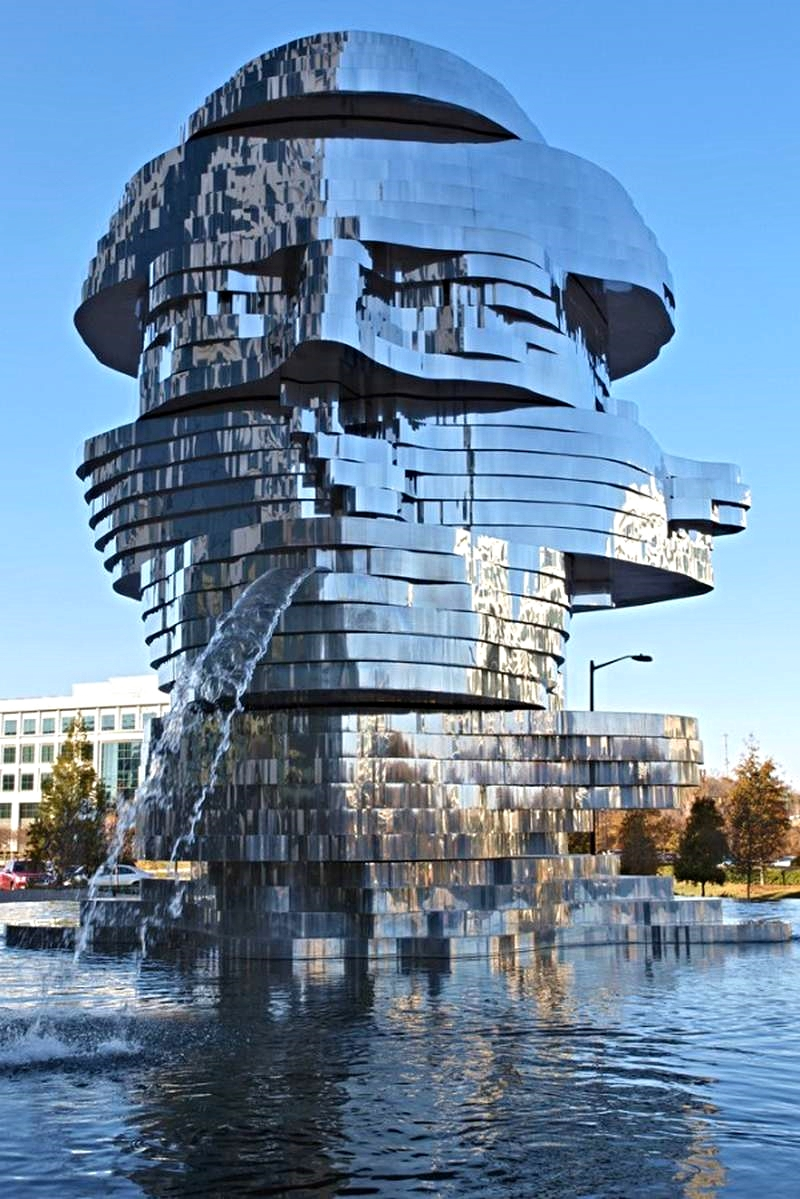 Metalmorphosis-Mirror-Fountain-1