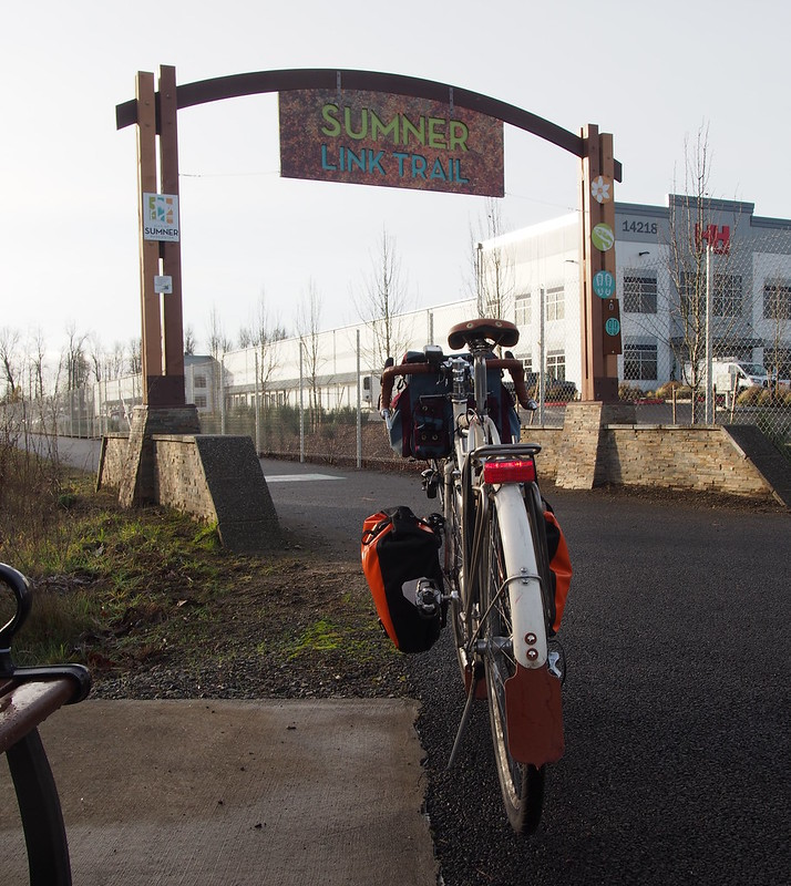 Entering the Sumner Link Trail
