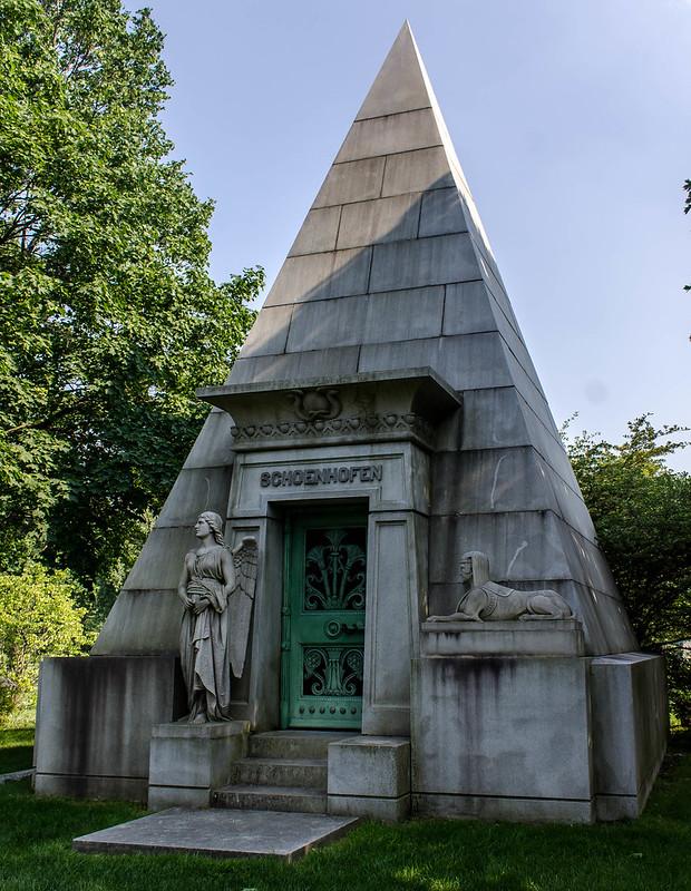pyramid (1 of 1)