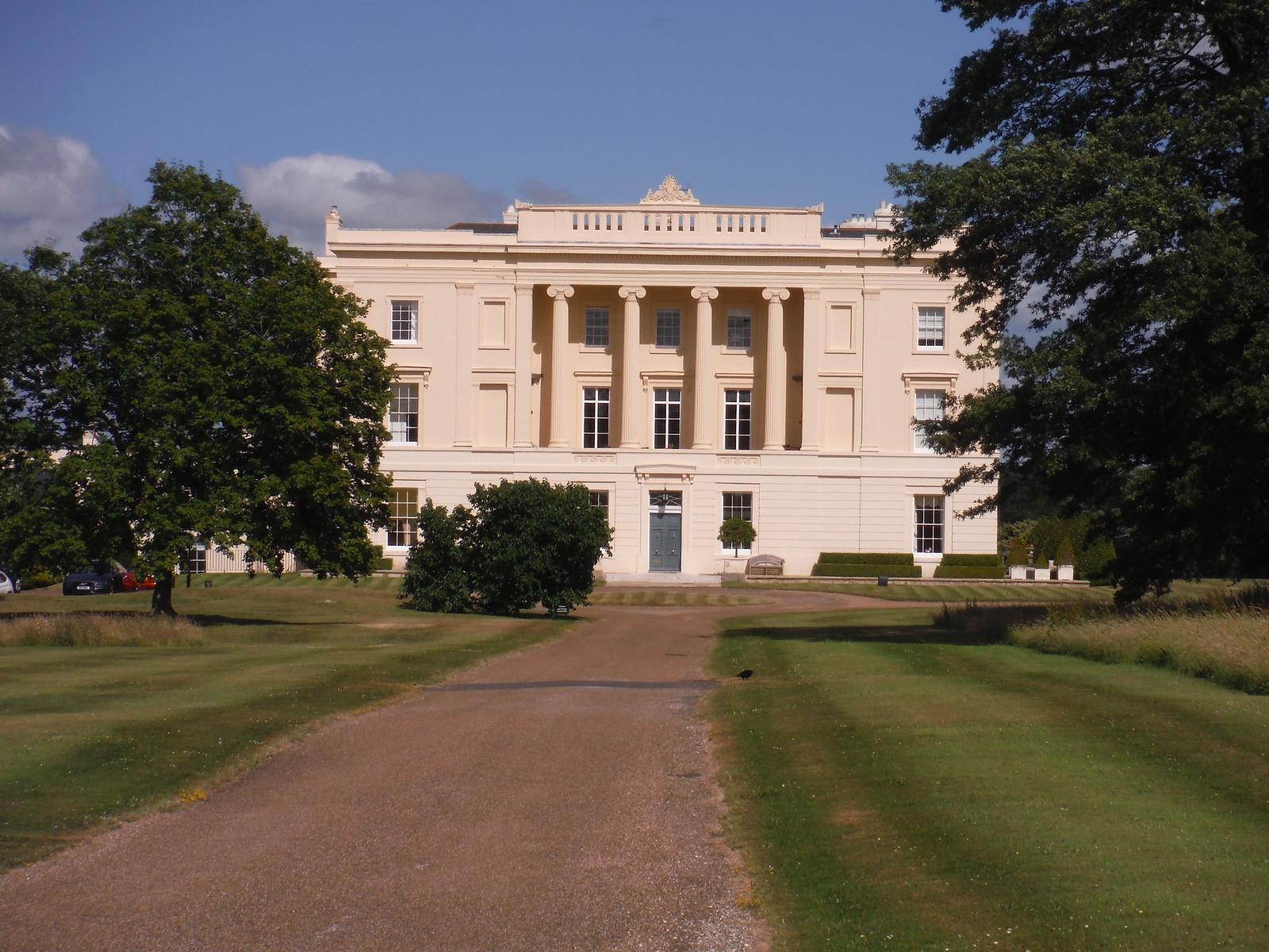 Burton Park SWC Walk 217 Midhurst Way: Arundel to Midhurst