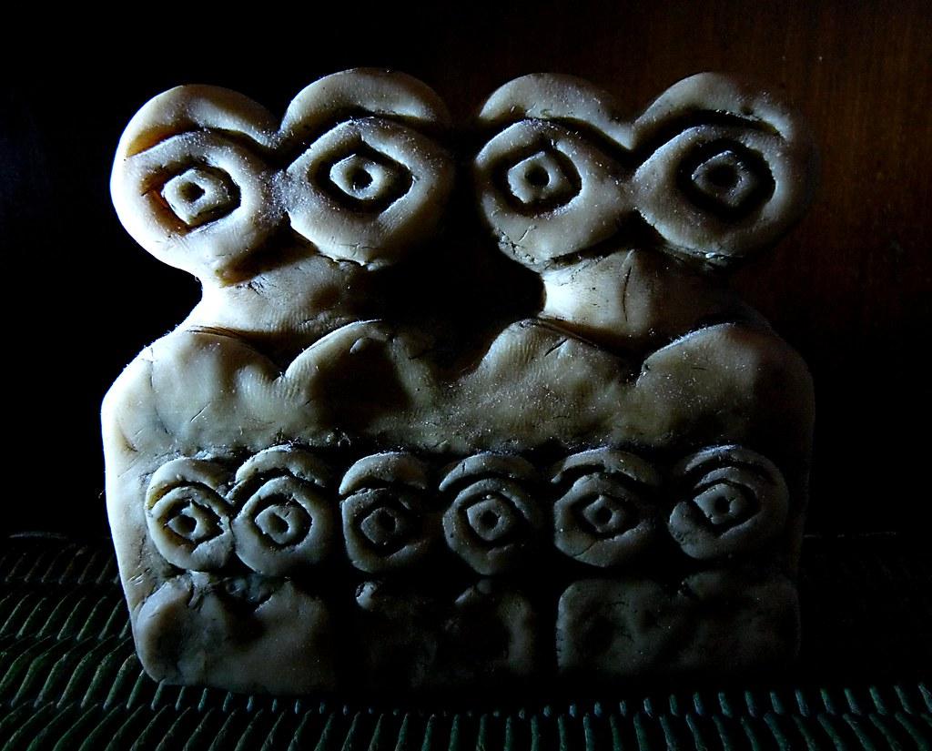 Eye idols