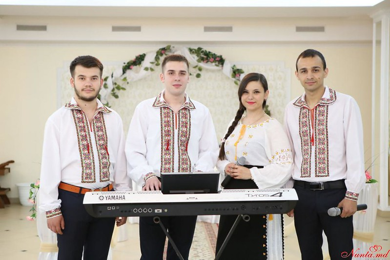 Formaţia Modern din Chişinău. > Formatia Modern din Chisinau vă bucură cu clipuri video noi