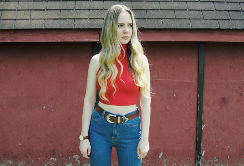 AmericanApparelTurtleneckCropTop_UrbanOutfittersHighWaistJeans