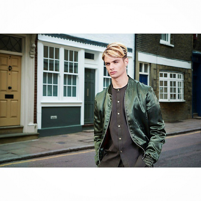 Greenwich has some great little streets #photoshoot #londonphotography #menwear #mensfashion #style #picoftheday #designer #clothing #menwithstyle #fashionblogger #retouching #michaelcs #prophotocentre #amckboys #fashion