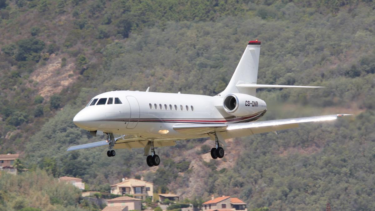Aéroport de Cannes-Mandelieu [LFMD-CEQ] Juillet 2015   19542419474_424d4dd4cf_o
