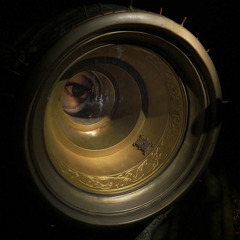 Par le petit trou de la lorgnette 20014884589_18a3db4b75_c