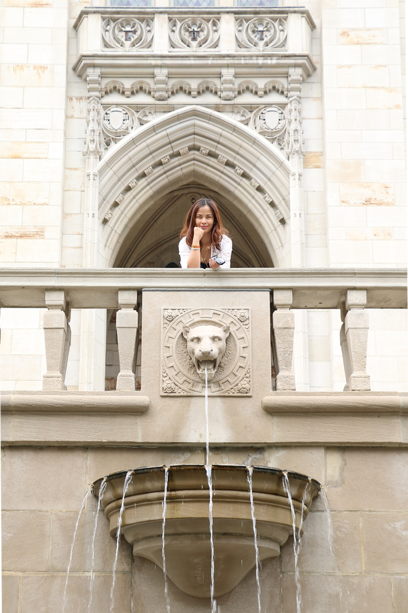 outfit-lion-fountain-2