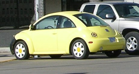 flower power | ha! yellow car!!! I think that the flower h… | Flickr - Photo Sharing!