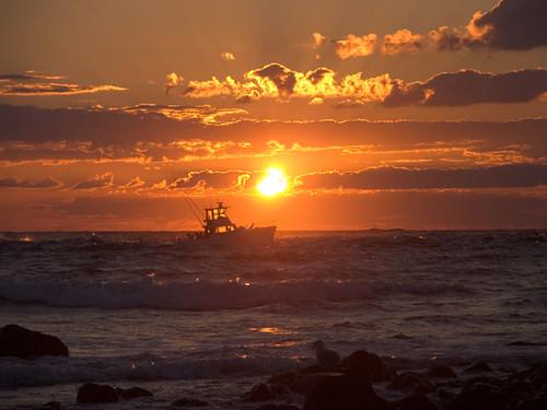 longisland hamptons fisherman ocean montauk waves sunrise newyork