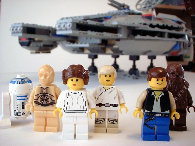 LEGO 7190 Millennium Falcon, Fujifilm FinePix1300