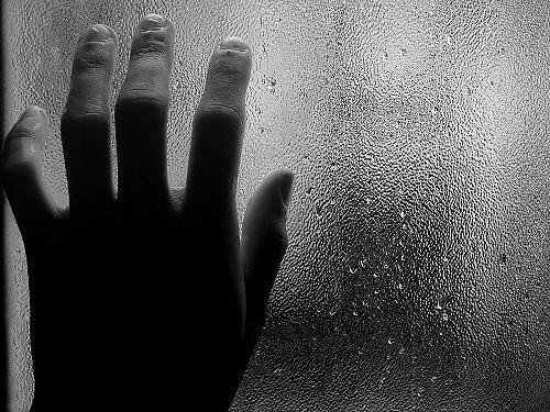 Humid hand... by Ignacio Gamboa