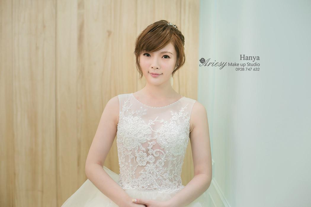 Hanya,愛瑞思造型團隊,攝影師Cruise,婚紗寫真,Dream婚紗工坊,新款禮服,花苞造型,蓬鬆編髮,公主頭,韓國手工飾品,花藝飾品