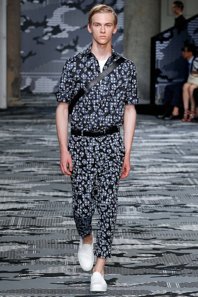 Dominik Sadoch3324_SS16 Milan Neil Barrett(Style.com)