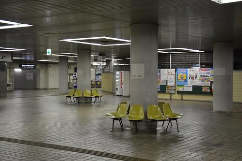 東成田駅:コンコース