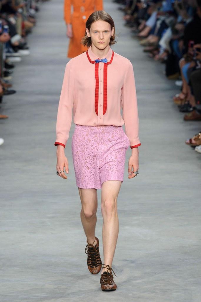 Ryan Keating3078_SS16 Milan Gucci(fashionising.com)