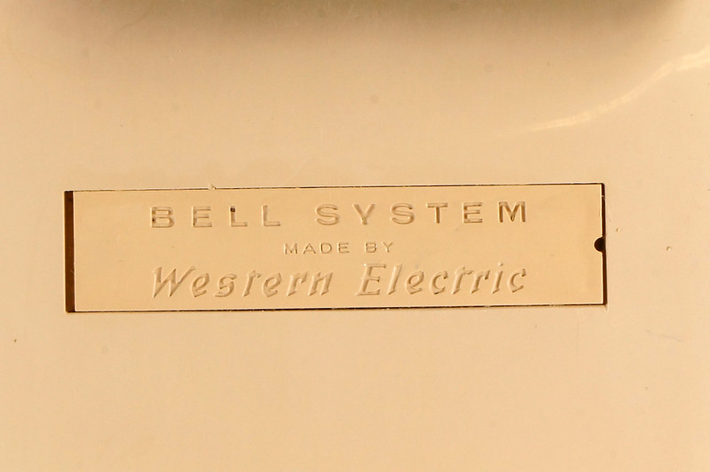RD9956 Vintage 1966 Bell Systems Western Electric Trimline 10 Button Phone AD1 DSC07957