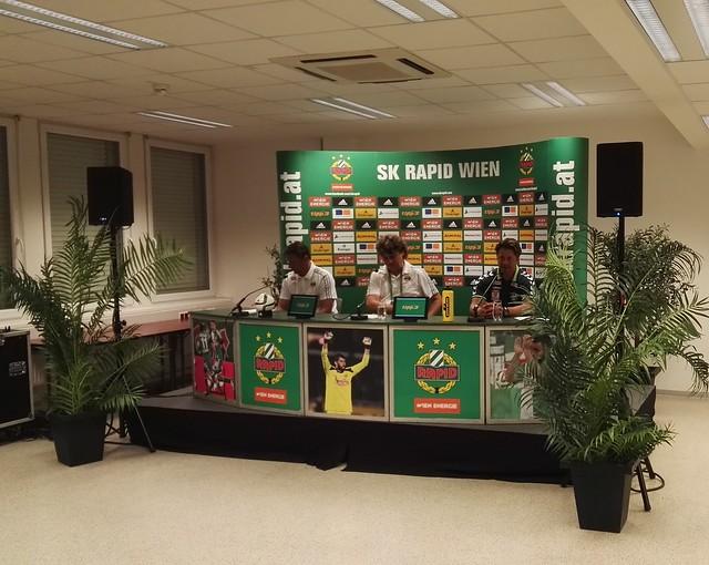 Die Pressekonferenz mit den beiden Trainern Zoran Barisic und Helgi Kolvidsson
