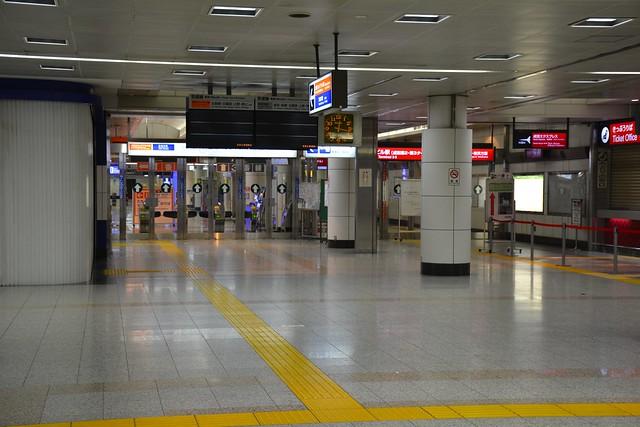 営業時間外の空港第2ビル駅
