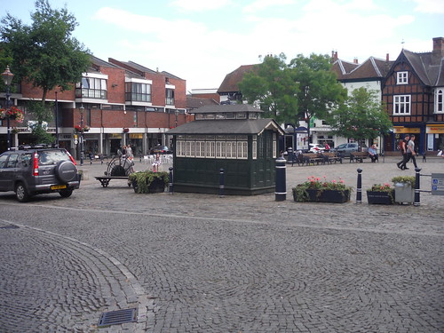 Market Place, Hitchin, with cabmen's shelter