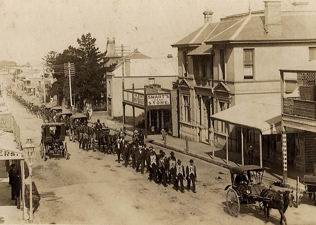 Remembrance march in Crown Street, Wollongong, N.S.W. - 1917