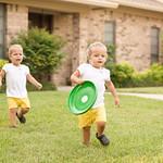 Waaaa! Gimme that Frisbee!