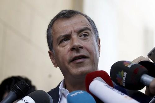 Tsipras busca apoyo político en Grecia para adoptar el plan europeo