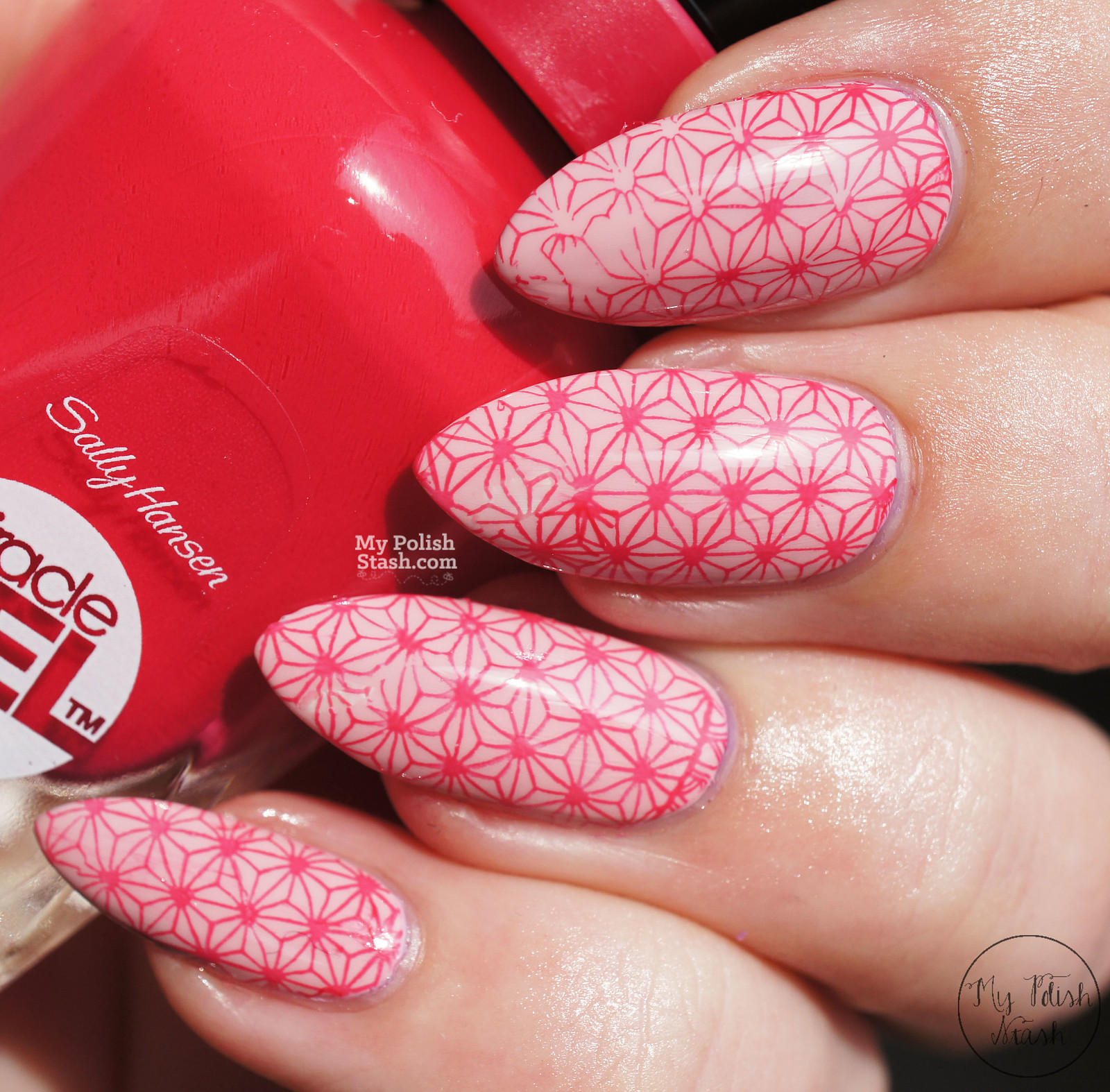 sally-hansen-miracle-gel-pinky-promise-pink-tank-2