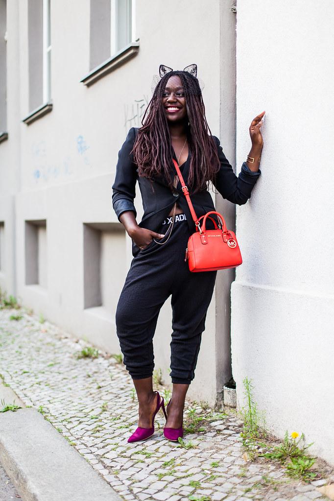lois opoku berlin fashion week streetstyle black blazer-cat-ears- lisforlois