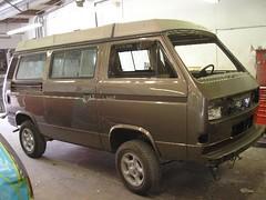 automobile, automotive exterior, van, sport utility vehicle, vehicle, minivan, minibus, microvan, bumper, land vehicle,