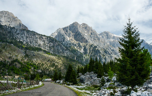 mountain mountains landscape spring al albania republicofalbania albanianalps prokletije d7000 valbonë pauldiming qarkuikukësit rrugaazemhajdari albanianmiracleofalps gemofalbania tropojadistrict