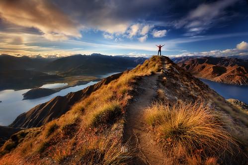 autumn sunset newzealand portrait sky lake mountains landscape evening cloudy hiking path dramatic alpine nz figure southisland wanaka selfie 2015 viesta