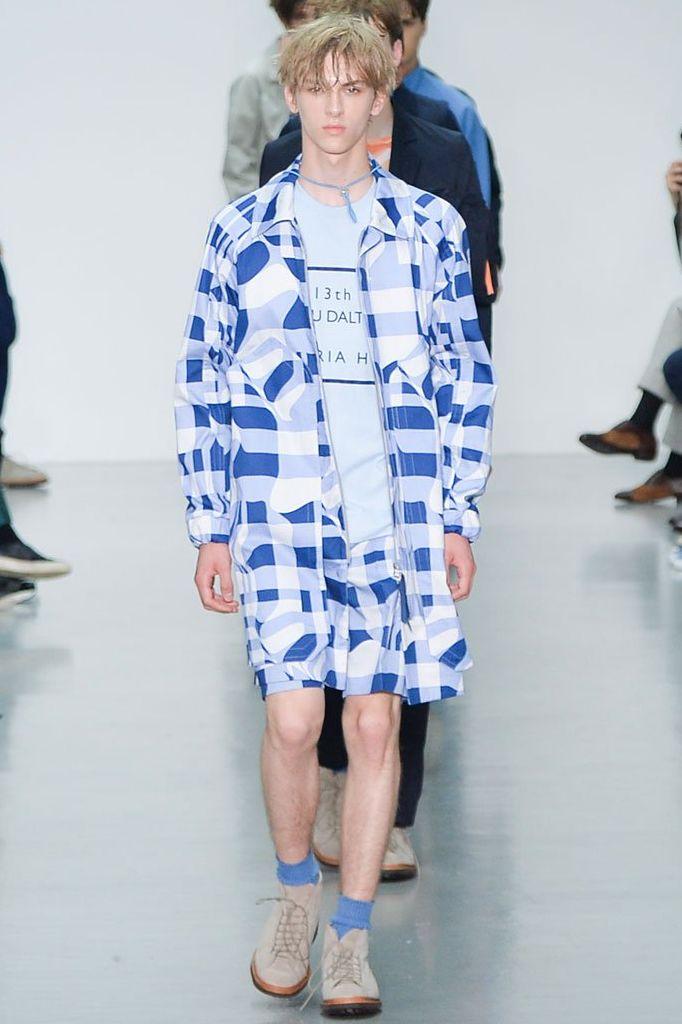 Dominik Sadoch3303_SS16 London Lou Dalton(fashionising.com)