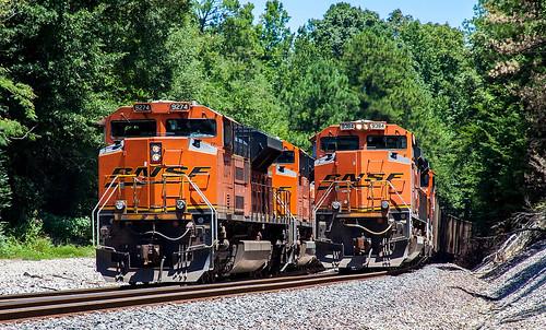 BNSF Trains E-PAMNAM0-73 & C-BTMPAM0-69