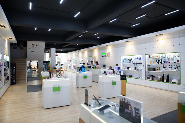 頂級 VIP 服務 – OKD 歐肯得台中 HTC 大型專賣店 @3C 達人廖阿輝