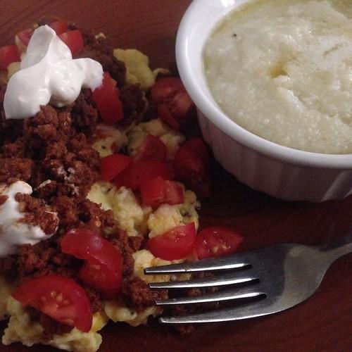food breakfast yummy huevos foodporn eggs brunch chorizo grits