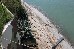 Sab, 09/13/2014 - 14:02 - Il basamento della fortezza era costellato di frammenti di vetro e piante di agave per impedire ai nemici di arrampicarsi