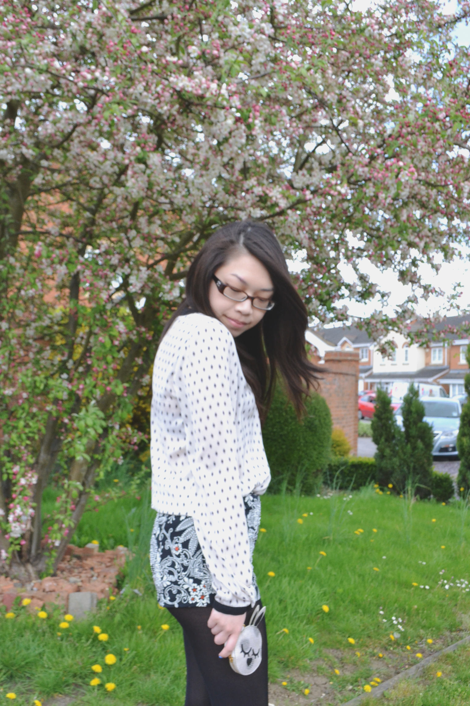 Daisybutter, fashion blog, Hong Kong bloggers, how to style embellished shorts, print on print