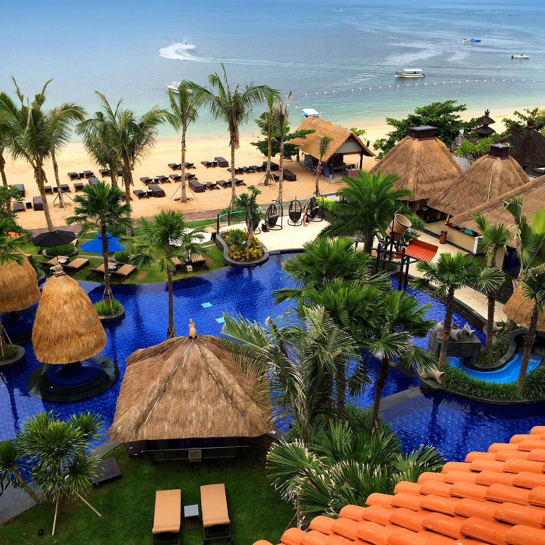 Holiday-Inn-Resort-Bali-Benoa_pool-and-beach