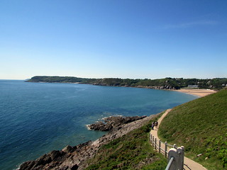 Изображение Каменистый пляж. walescoastpath