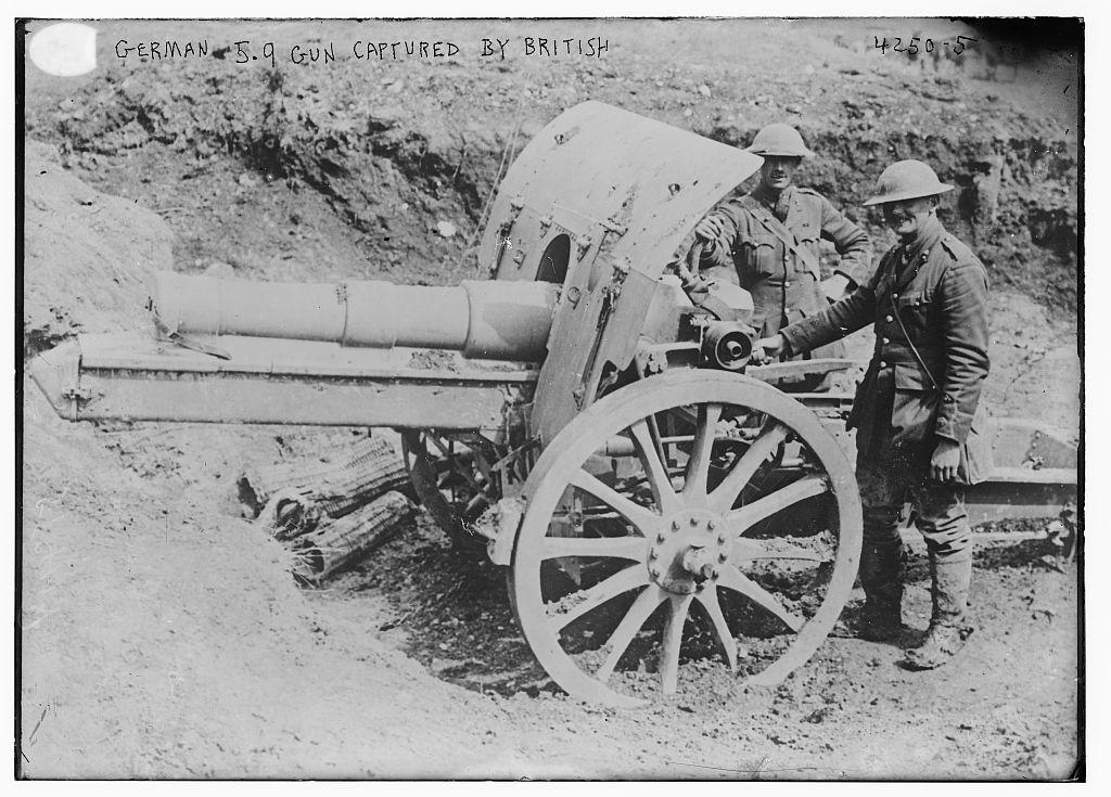 German 5.9 gun captured by British (LOC)