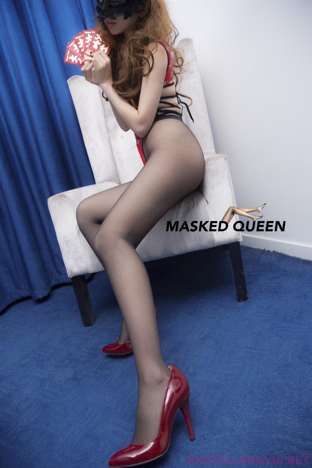 MASKED QUEEN No 006