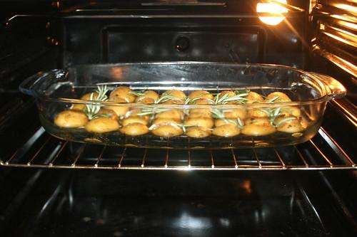 24 - Kartoffeln im Ofen backen / Bake potatoes in oven