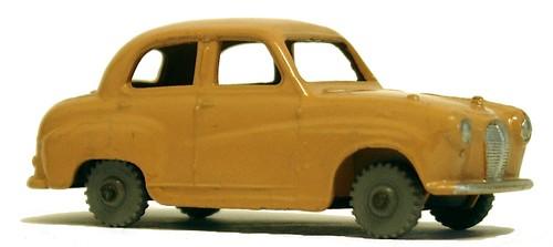 17 Dinky GB Austin A30