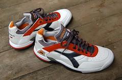 DIADORA tennis shoes