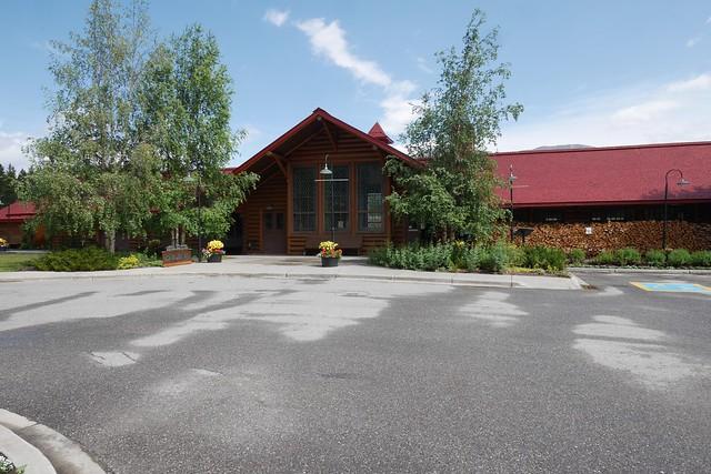 水, 2015-07-22 14:48 - Lake Louise Station Restaurant