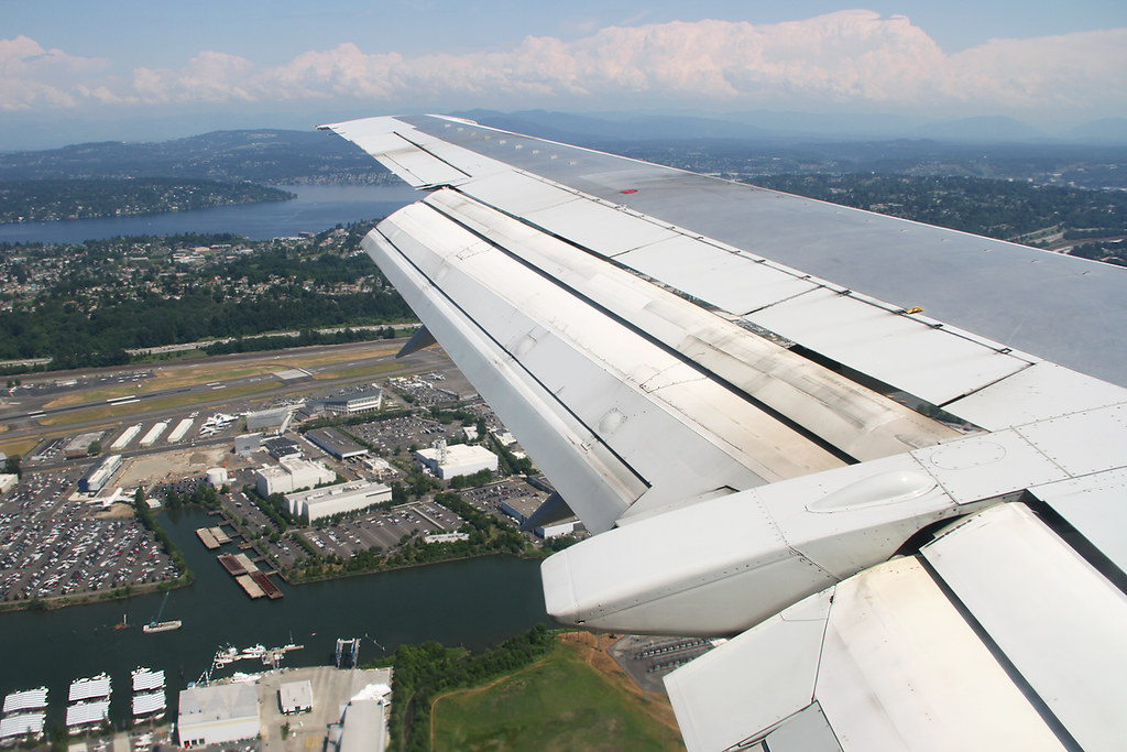 Passing over Boeing Field [BFI/KBFI] while on final approach for Seattle Tacoma's RWY16. Flight AS120 ANC-SEA. RAircraft delivered 09/1992.