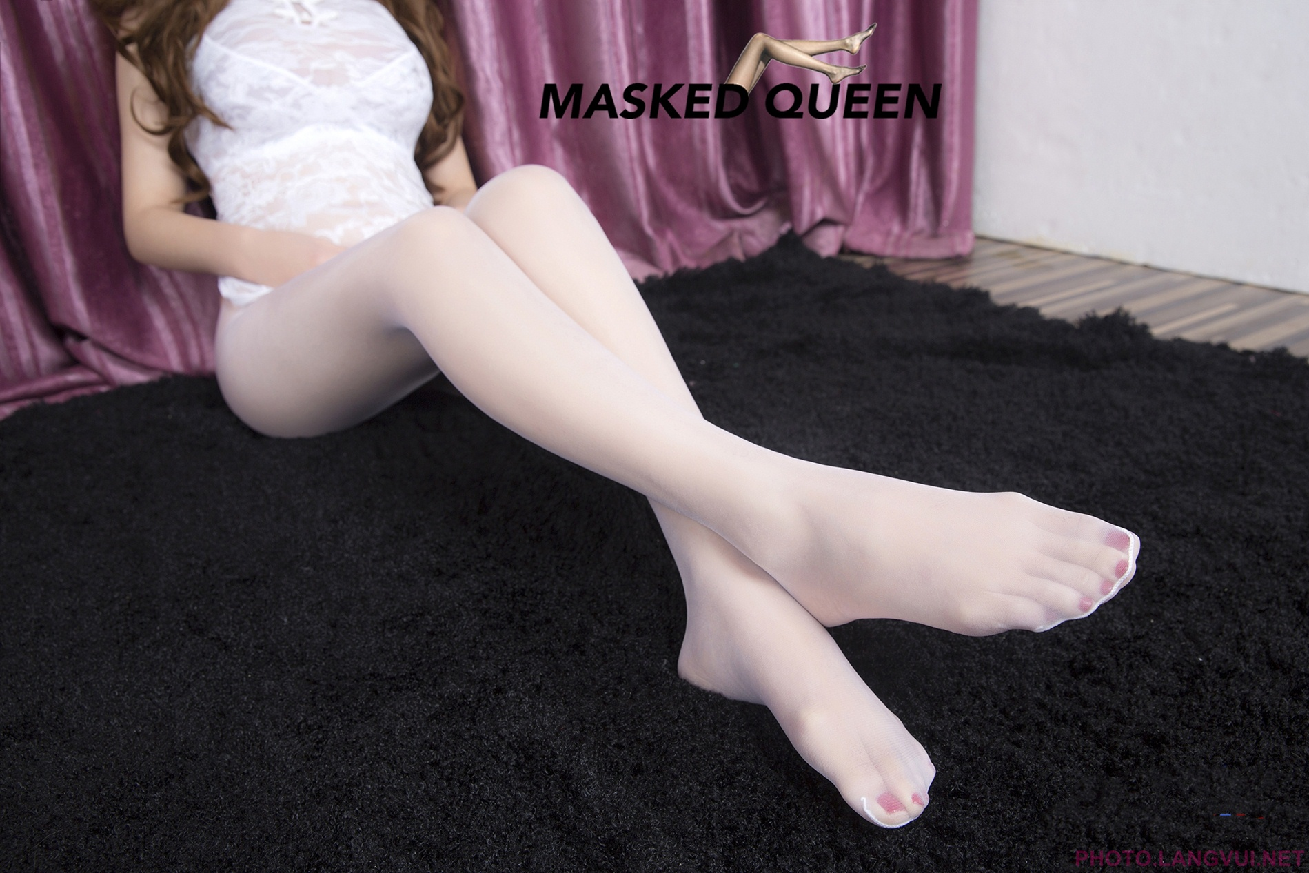 MASKED QUEEN No 004