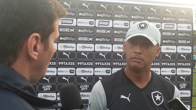 Botafogo treina em Atibaia, SP