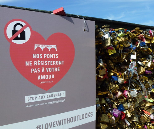 Stop aux Cadenas ~ Love Without Locks